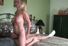 SexoCoroa montando bem gostoso na rola