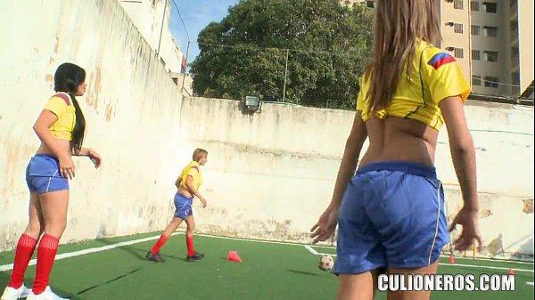 Filme porno Colombiano com novinhas transando
