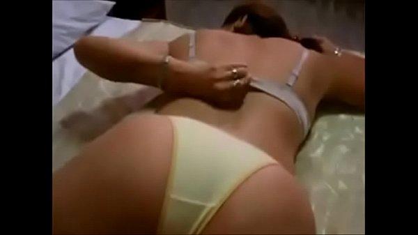 Ninfeta teve seu video porno vazado dando o cuzinho gostoso