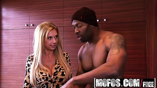 Xvideo - Milfs Like It Black - Brookes Working Pro Boner starring Brooke Tyler