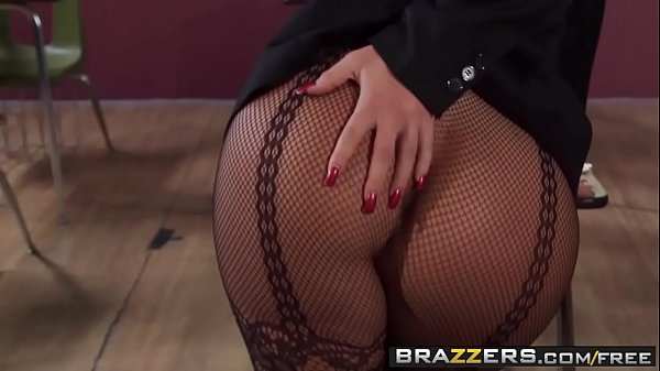 Big Tits at School - (Kiara Mia, Keiran Lee) - Youre Busted Now Pound Me - Brazzers