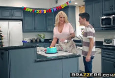 Brazzers – Mommy Got Boobs –  My Friends Fucked My Mom scene starring Ryan Conner, Jordi El Ni&ntild