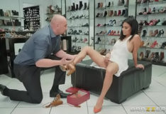 Monica asis – If The Shoe Fits