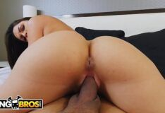 BANGBROS – Marta LaCroft POV Reverse Cowgirl Loop (Amazing Big Ass)